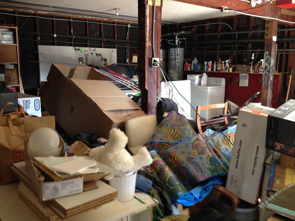 Los Angeles Professional Organizer Helps Clutter Victim